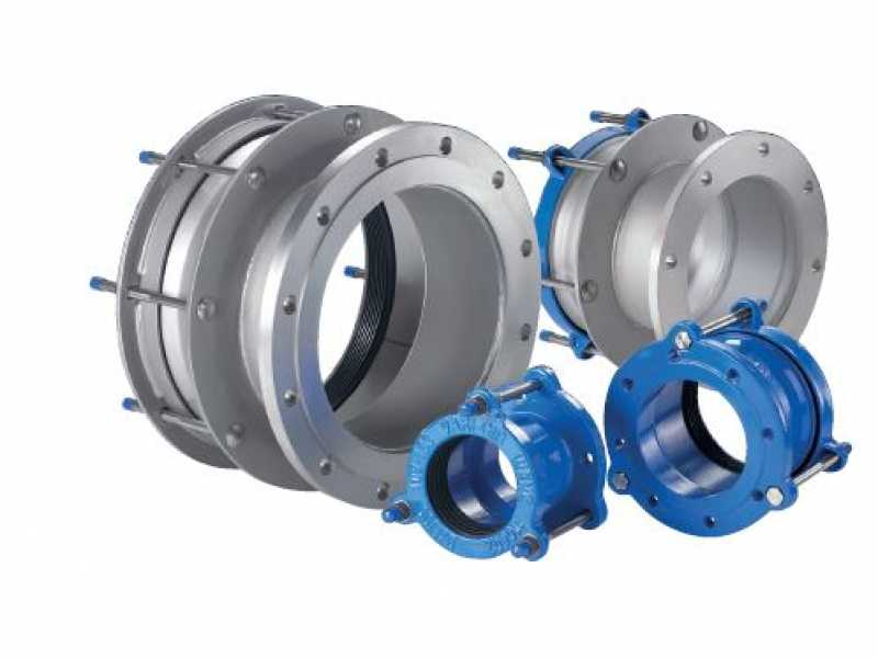 Vari-flange couplings